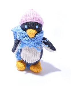 Penguin in Pink Beanie by ChunkiChilli